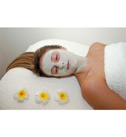 A relaxing organic facial