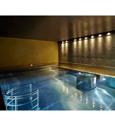 Wellness Spa Day for 2 in London Pool